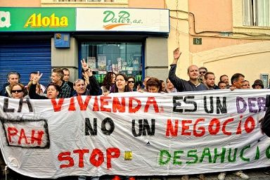 http://almeria360.com/almeria-capital/19092012_la-pah-moviliza-a-los-almerienses-para-impedir-otro-desahucio-en-el-barrio-de-pescaderia_38197.html